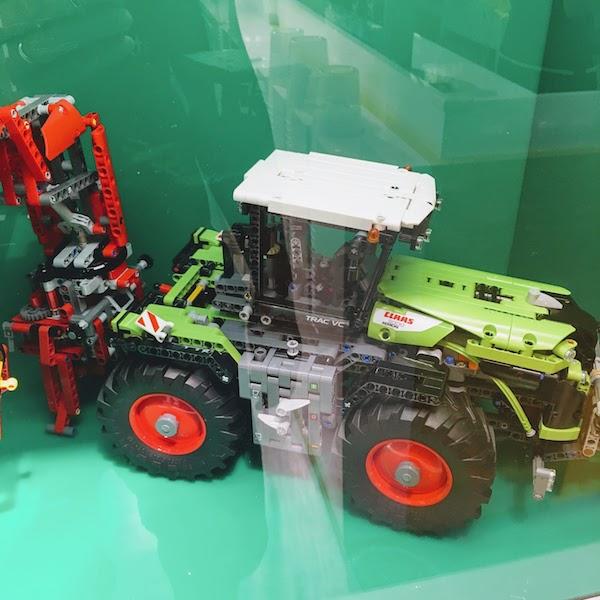 Lego store 4