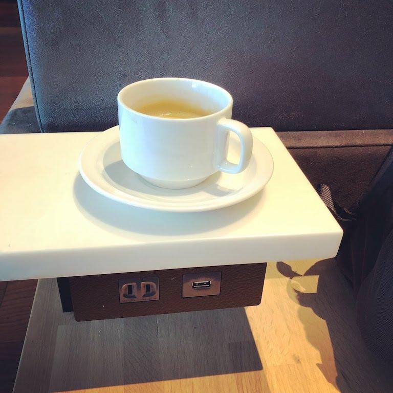 Haneda lounge 2